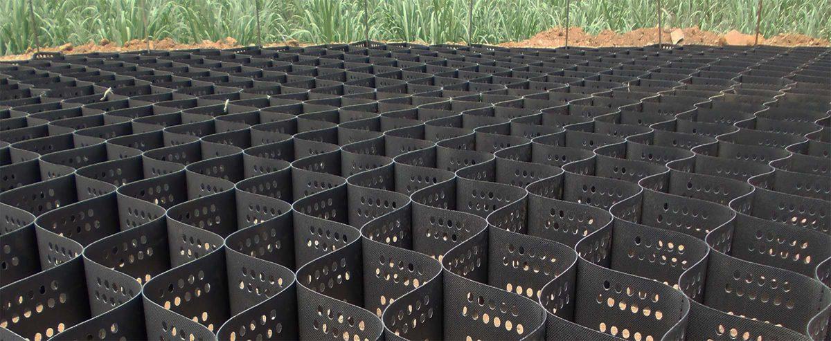 Geocell   soil stabilization system